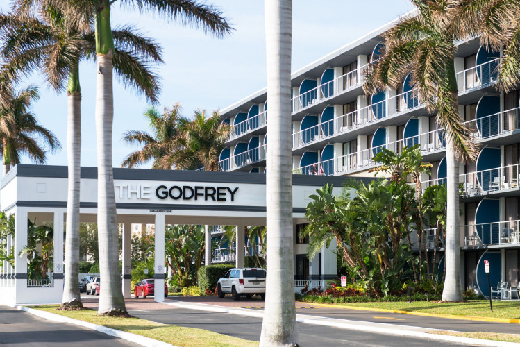 Exterior Godfrey Tampa