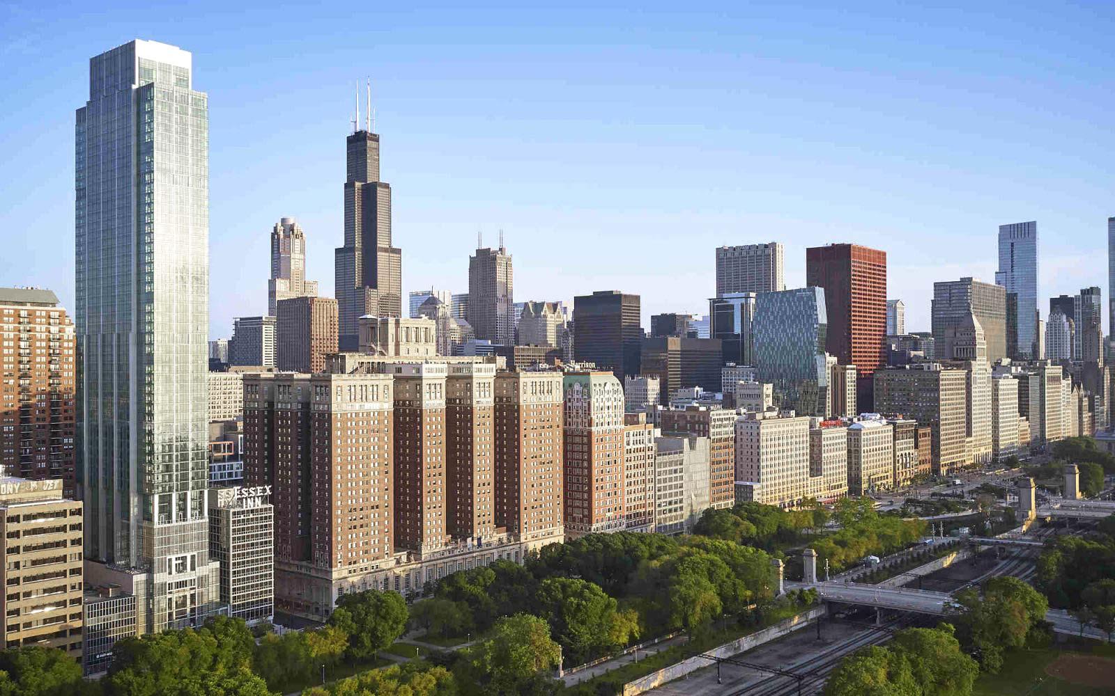 Essex Exterior Chicago Skyline High Angle View
