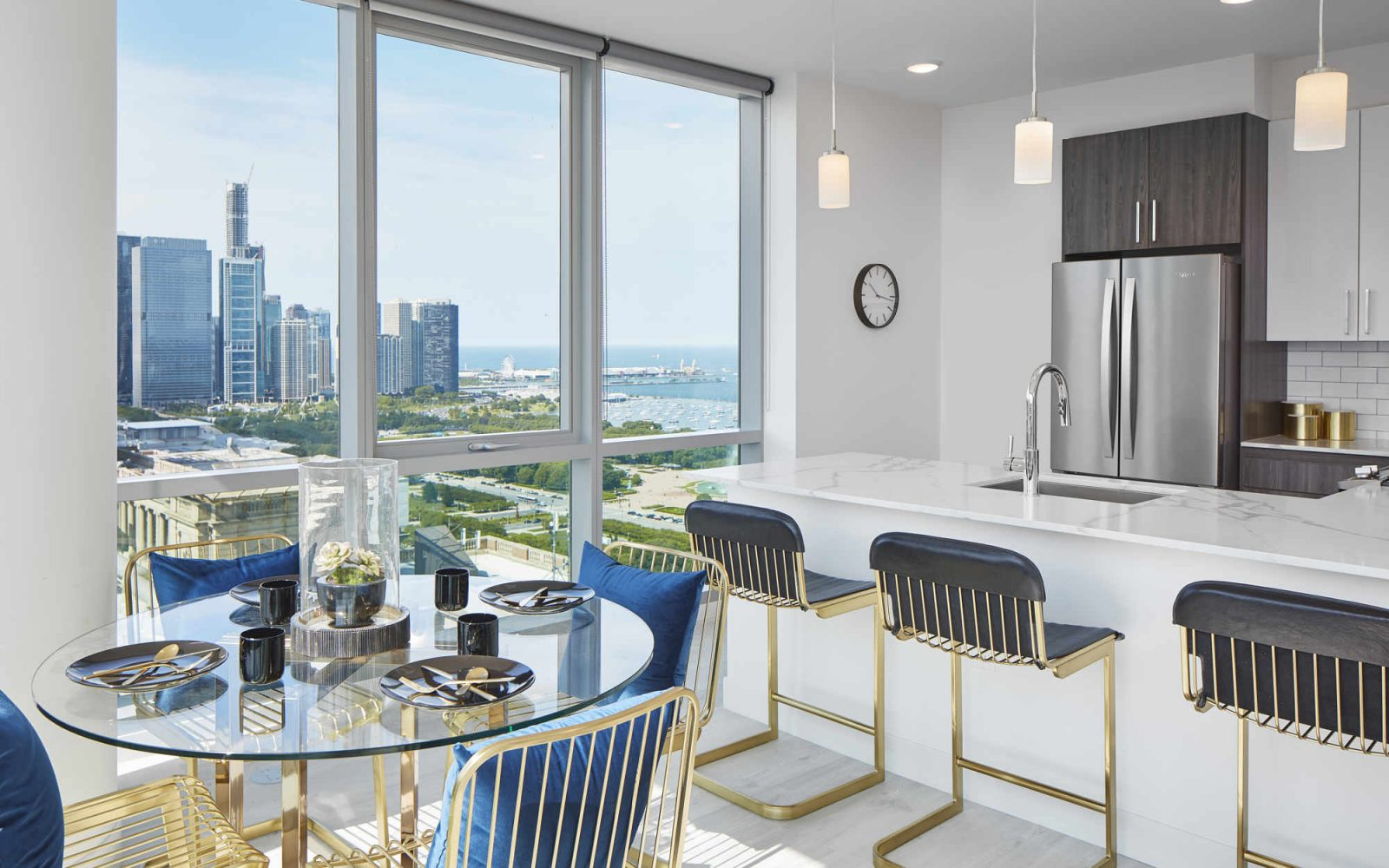 Essex model kitchen and dining area with city view