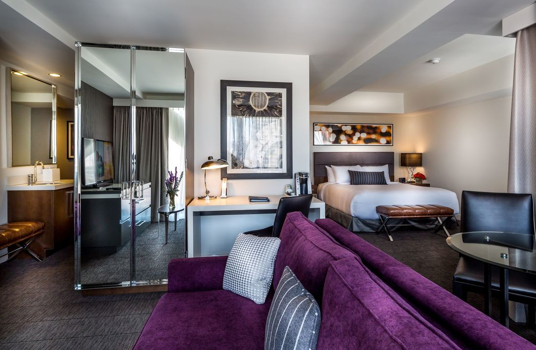 Godfrey Chicago executive king suite