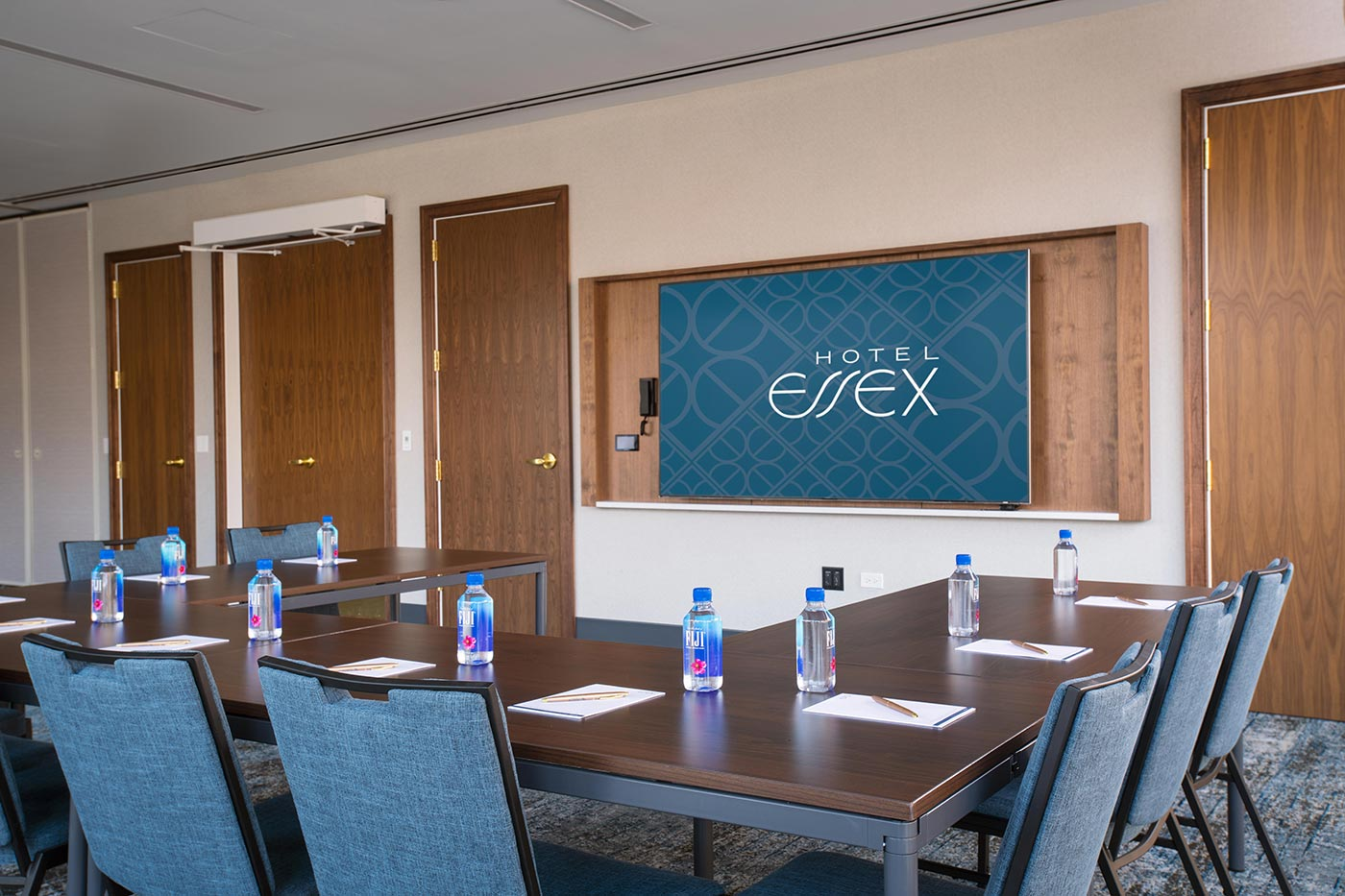 Hotel Essex conference room