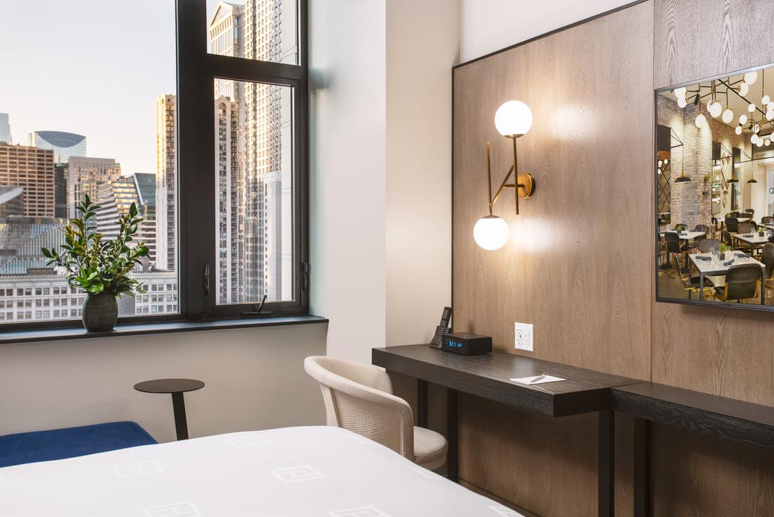Hotel Julian guest room desk space