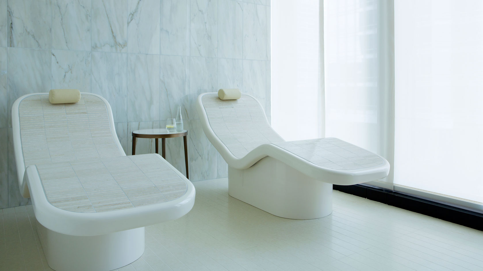 Chuan spa heated lounge chairs