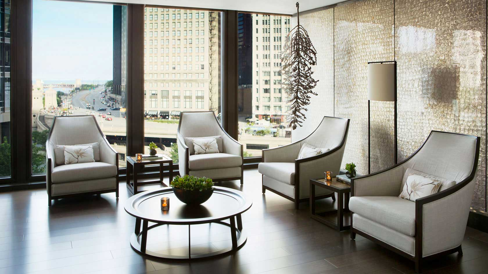 Langham Chicago Spa lounge
