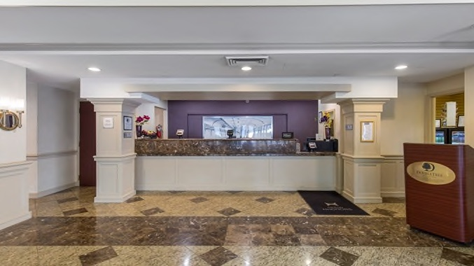 Wilmington lobby and concierge desk