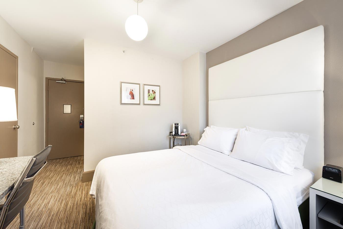 Hotel Cass room