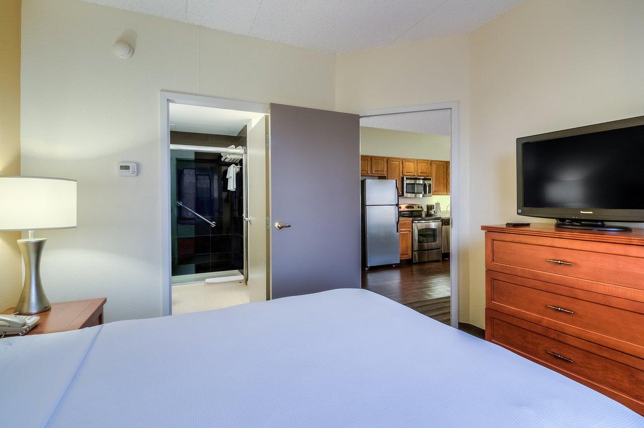 Hyatt House bedroom
