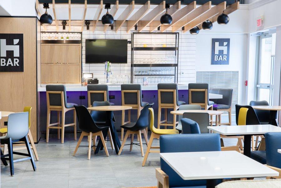 Hyatt House H Bar with seating area
