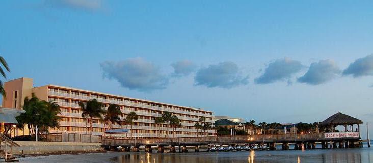 Exterior Bay Harbor Hotel