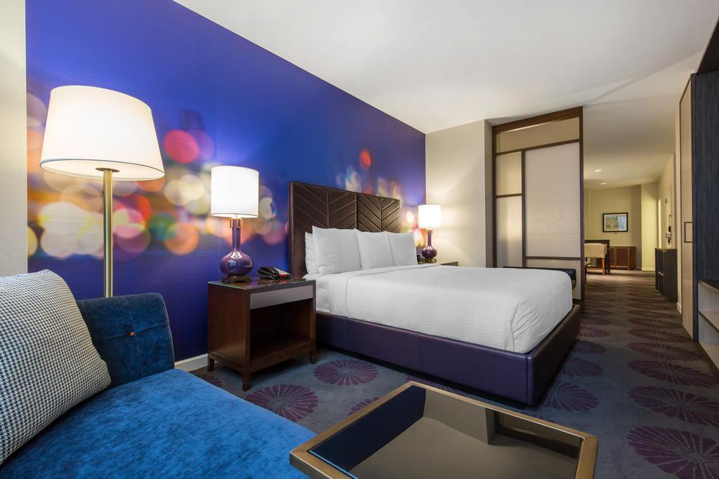 Hotel 166 Room