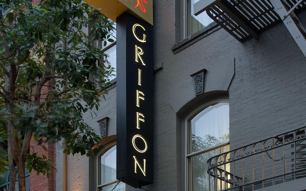 Hotel Griffon sign
